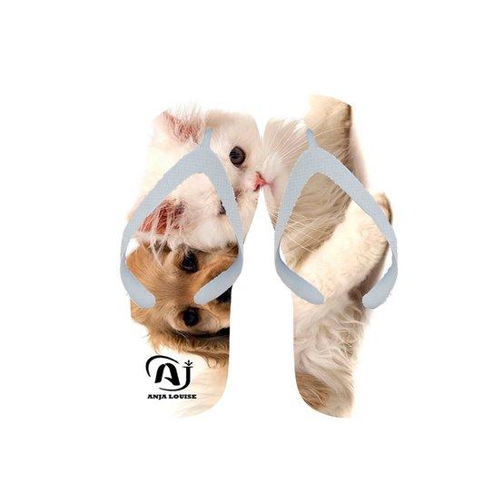 e13a1bba5 Chinelo Anja Louise Gato & Cachorro - Compre Agora | Zattini