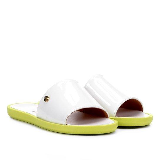 259c41ac5 Chinelo Vizzano Slide Liso Verniz Feminino - Branco e Verde - Compre ...