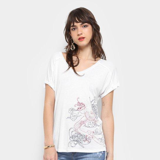 Camiseta Colcci Dragão Bordado Feminina - Compre Agora  cdc82ffe58f