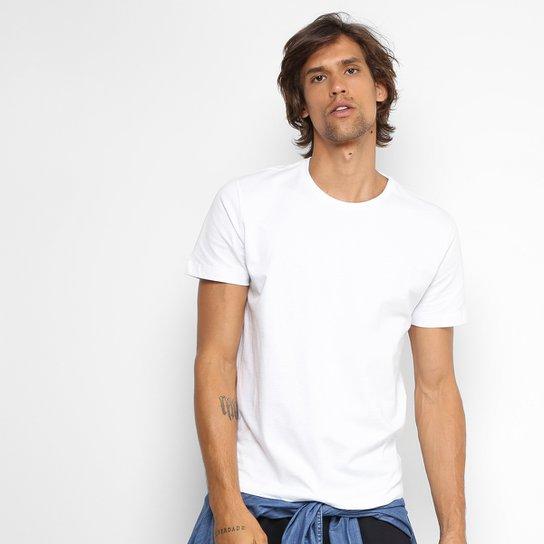6591f4c103 Camiseta Forum Básica Masculina | Zattini