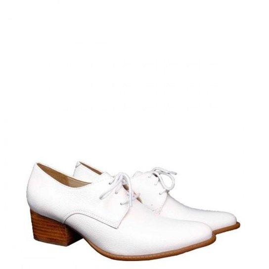28203a1e0 Sapato Casual Couro Dina Mirtz Básico Feminino - Branco - Compre ...