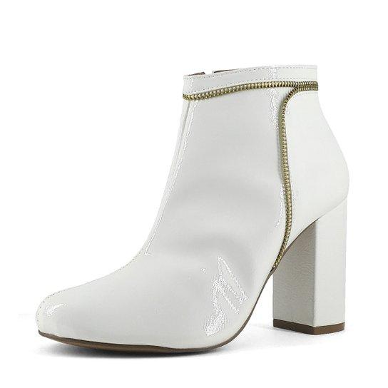 948572cd8 Bota Shoes INBOX Salto Bloco com Detalhe em Zíper Verniz Feminino - Branco