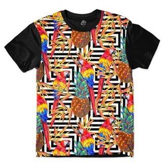 6964b01562a7d Camiseta BSC Padrões e Listras Araras e Abacaxis Sublimada Masculina