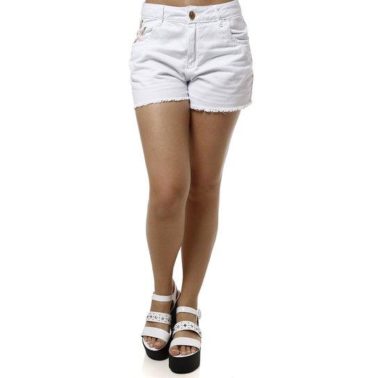 a458fcfb34 Short Jeans Feminino Mokkai - Branco - Compre Agora