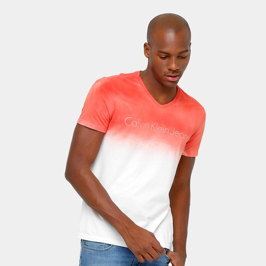 Camiseta Calvin Klein Gola V Degradê Tinturada Masculina - Compre ... 50d8c71024d