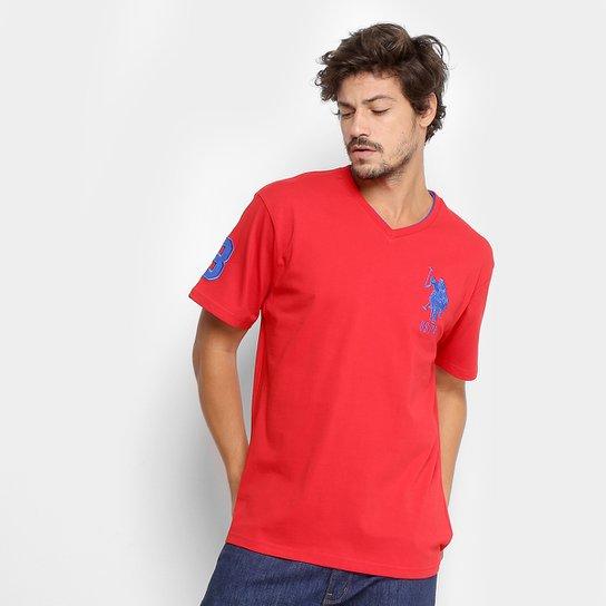 3f6782883 Camiseta U.S. Polo Assn Bordado Gola V Masculina - Vermelho - Compre ...