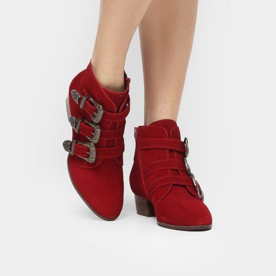 7ad27d6008 Bota Couro Shoestock Cano Curto 3 Fivelas Feminina - Vermelho ...