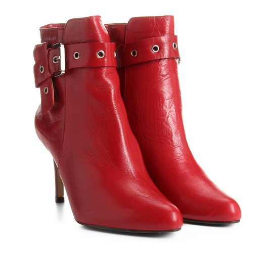 3eefe571e Bota Couro Cano Curto Shoestock Salto Fino Fivela Feminina - Vermelho