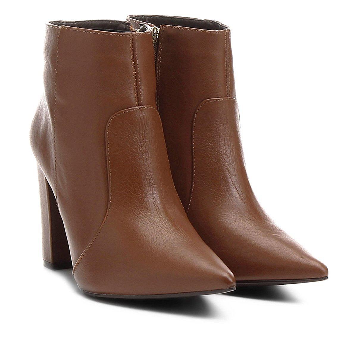 f6c7c61346 ... Bota Couro Shoestock Curta Bico Fino Salto Grosso Feminina