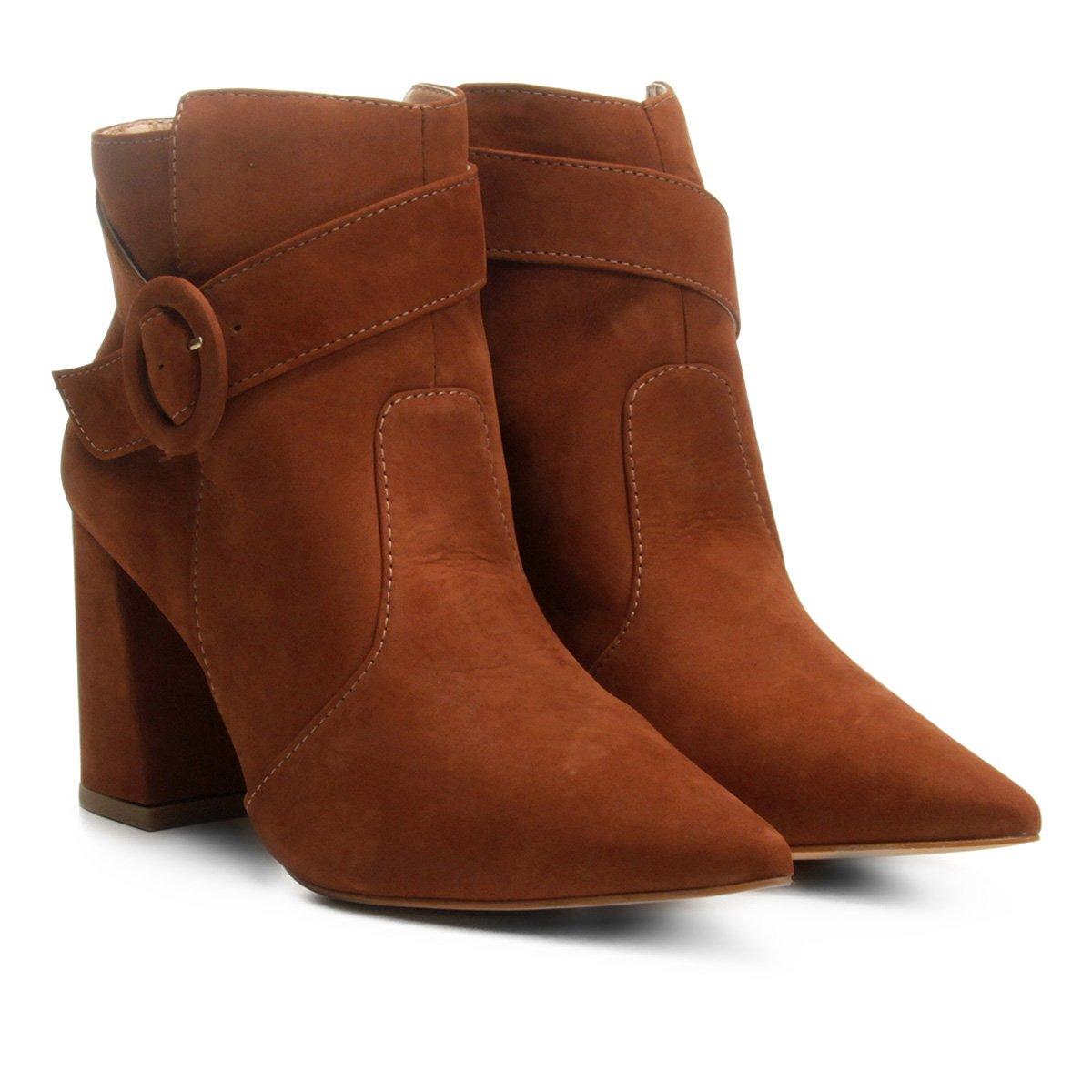 7b763b59a ... Bota Couro Cano Curto Shoestock Fivela Redonda Feminina