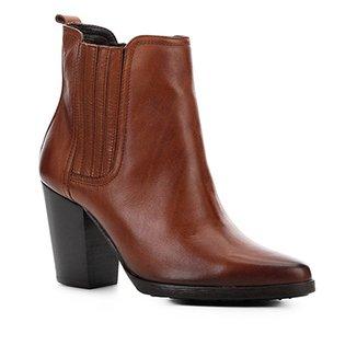 b8f7ca1f4 Bota Cano Curto Shoestock Couro Elástico Feminina