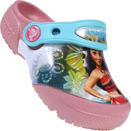 42551b474f Sandalia Inf. Crocs Disney Moana - Compre Agora
