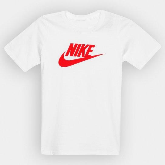 761d2a285b Camiseta Nike Ctn Crew Fut Icon TD Tee Infantil - Branco e Vermelho ...