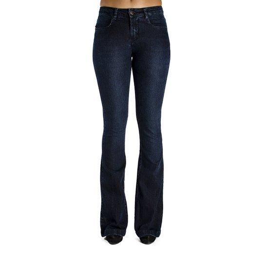 Calça Jeans Básica Flare Calvin Klein - Compre Agora   Zattini f2519e6cb6