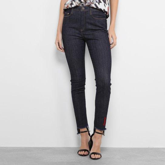 684933f0d Calça Jeans Skinny Carmim Cintura Alta e Lavagem Escura Feminina - Jeans