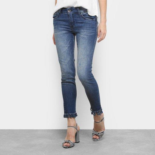 d4f71098f Calça Jeans Skinny Colcci Fatima Barra Desfiada Feminina | Zattini