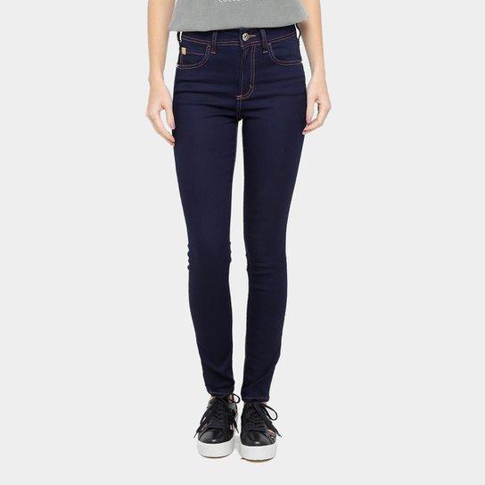 40ac17fe3 Calça Jeans Skinny Colcci Base Bia Cintura Alta Feminina - Compre ...