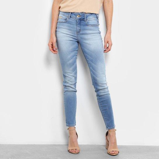 20c7bbd77 Calça Jeans Skinny Colcci Cory Cintura Média Feminina - Compre Agora ...
