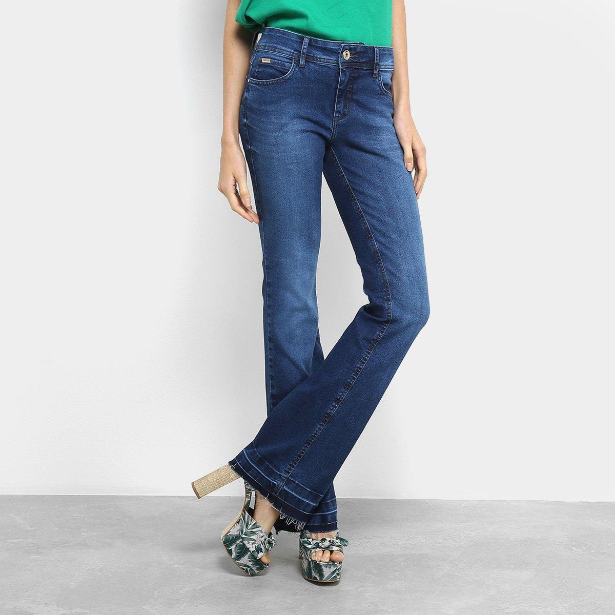 Calça Jeans Flare Colcci Estonada Barra Desfiada Cintura Média Feminina eea1f5439e5