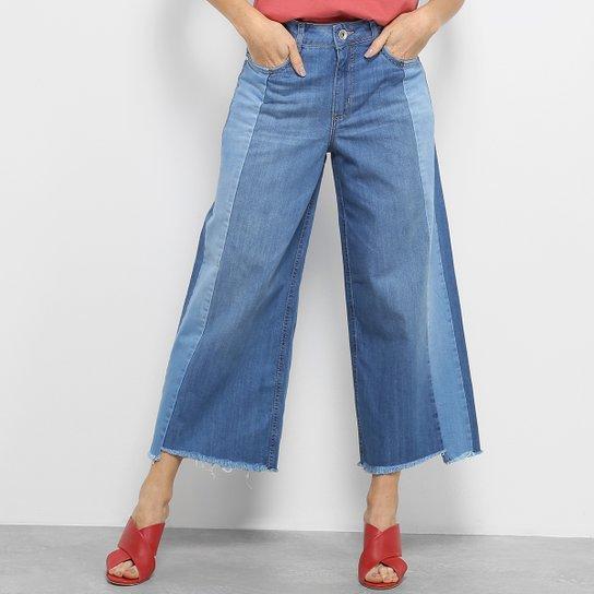 897bfbc96a Calça Jeans Pantacourt Colcci Barra Desfiada Cintura Alta Feminina - Azul