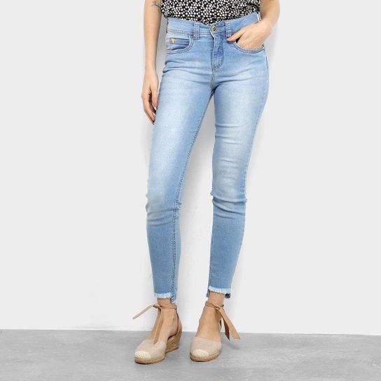 65763dc46 Calça Jeans Skinny Colcci Cory Cintura Média Feminina - Azul Claro ...