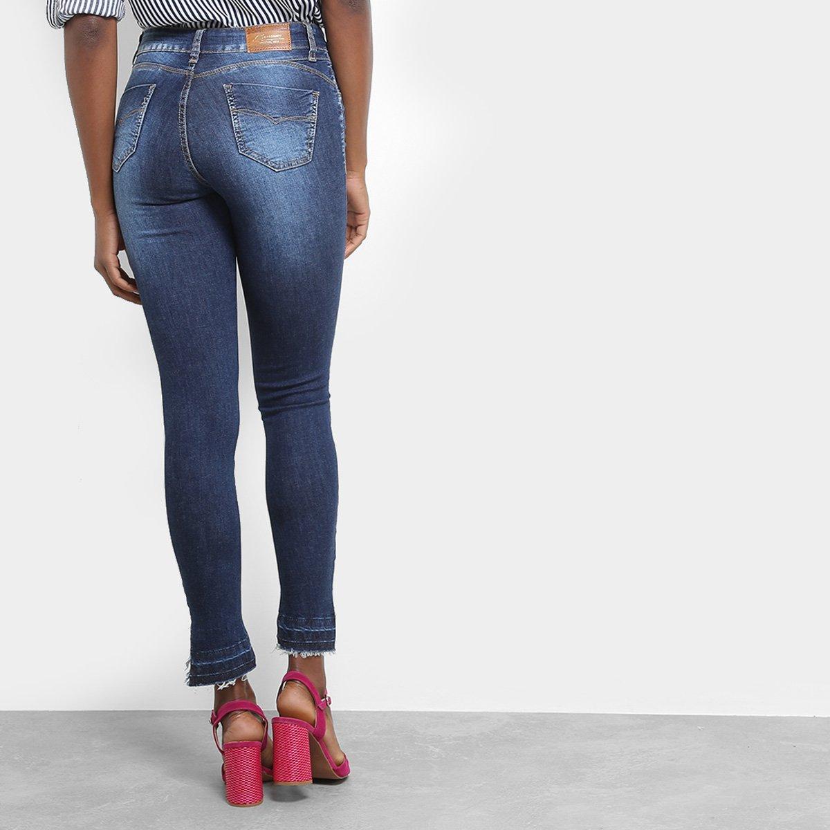 5c9c9daae Calça Jeans Skinny Sawary Estonada Barra Assimétrica Cintura Média ...