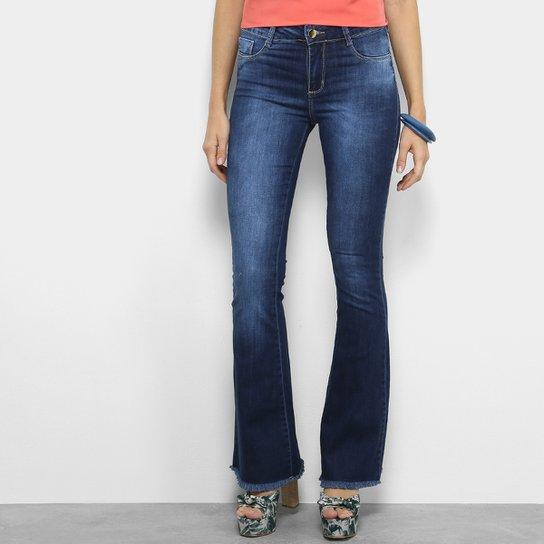 a1b0fc3f9 Calça Jeans Flare Sawary Estonada Barra Desfiada Cintura Média Feminina -  Azul