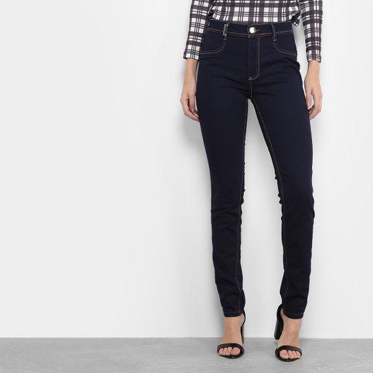 c2953e43a Calça Jeans Skinny Lança Perfume Lavagem Escura com Pesponto Feminina -  Jeans