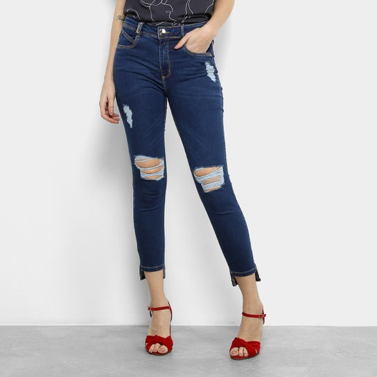 6cf03c7560 Calça Jeans Skinny Lança Perfume Capri Rasgos Joelho Cintura Média Feminina  - Azul