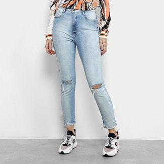 7652e2081 Calça Jeans Cigarrete Lança Perfume Puídos Cintura Alta Feminina