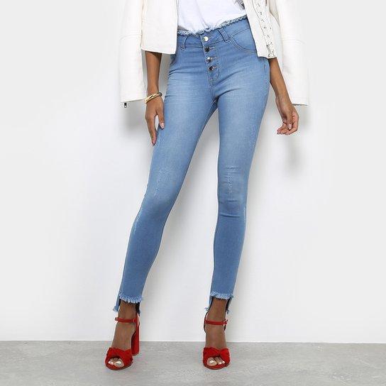 efc1bb7c8 Calça Jeans Skinny Coffee Botões Bolso Ilhós Cintura Média Feminina - Azul  Claro