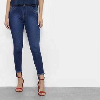 8f284cfe8 Calça Jeans Skinny Coffee Barra Assimétrica Feminina
