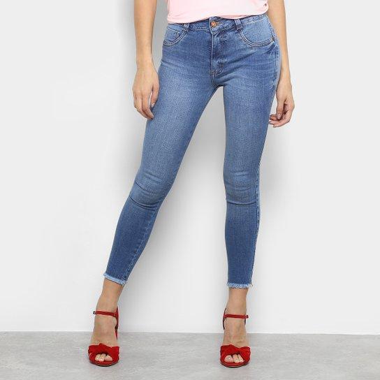 Calça Jeans Skinny Biotipo Estonada Midi Cintura Média Feminina - Azul Claro 11ee7ad9fc
