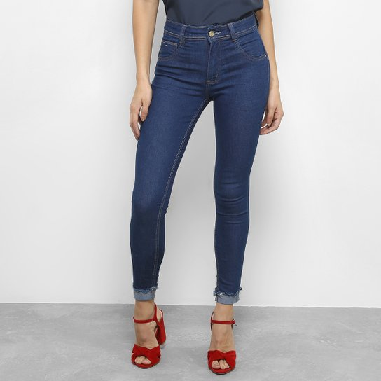 47aa22505 Calça Jeans Skinny Biotipo Midi Barra Dobrada Cintura Média Feminina - Azul