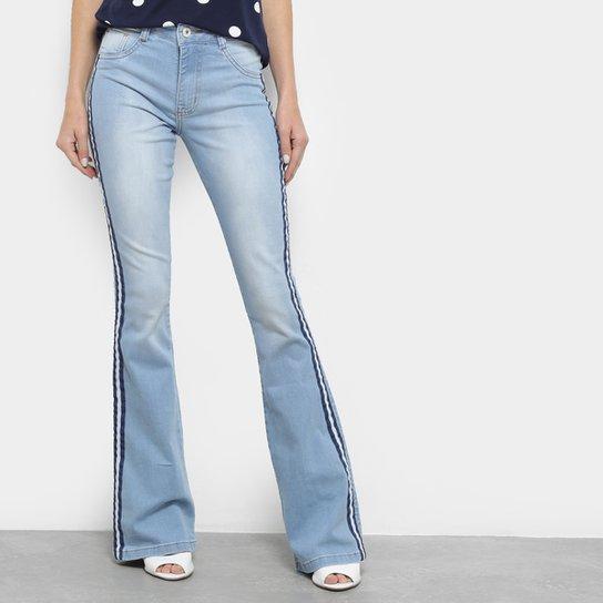 6571acde1 Calça Jeans Flare Biotipo Cintura Média Faixa Lateral Feminina - Azul Claro