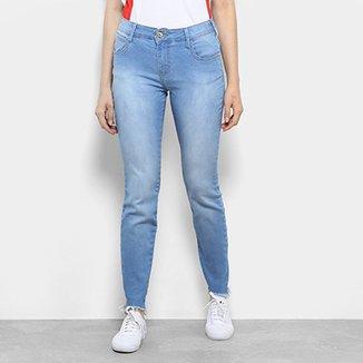 48e7f103d Calça Jeans Skinny Coca-Cola Barra Desfiada Cintura Média Feminina