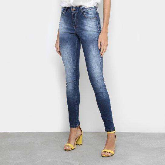 33237a3174 Calça Uber Jeans Skinny Puídos Bordado Feminina - Compre Agora
