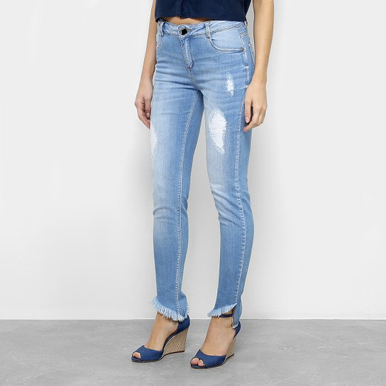 91bd85275 Calça Jeans Slim Morena Rosa Isabelli Puídos Barra Desfiada Cintura Média  Feminina - Azul Claro