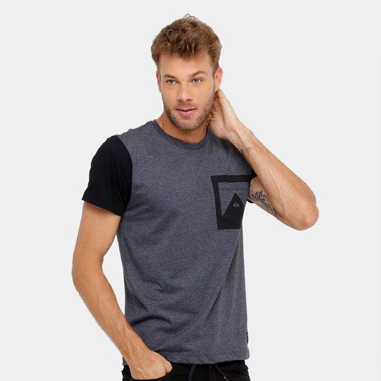 5dec943915a00 Camiseta Quiksilver Especial Card Masculina - Compre Agora   Zattini