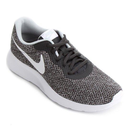 40a41e254b5 Tênis Nike Tanjun Se Feminino - Preto e Branco - Compre Agora