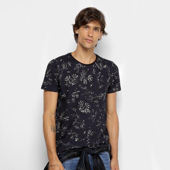 71f2e9150d Camiseta Colcci Estampada Floral Masculina - Preto e Branco