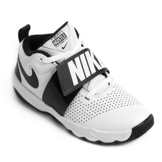 e04577945d Tênis Infantil Nike Team Hustle D8 Masculino - Branco e Preto ...