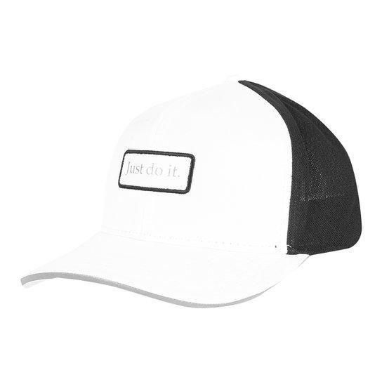 Boné Nike Aba Curva Clc99 Trucker - Branco e Preto - Compre Agora ... 90cc5bb25ef5c