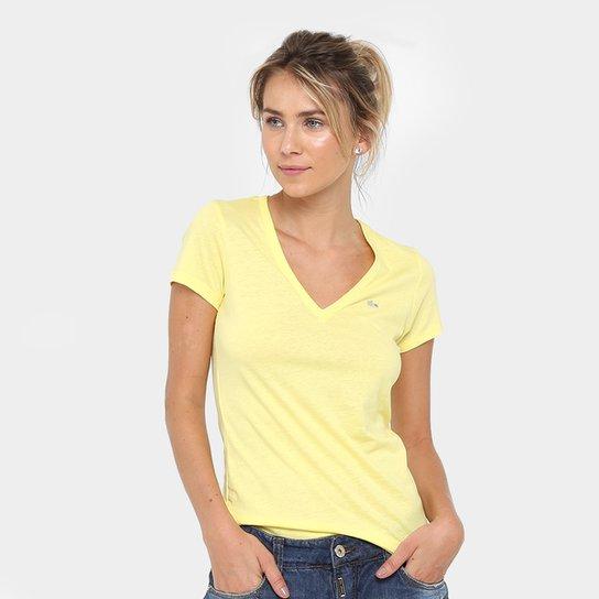 Camiseta Lacoste Bordada Feminina - Compre Agora   Zattini 1d08a0a948