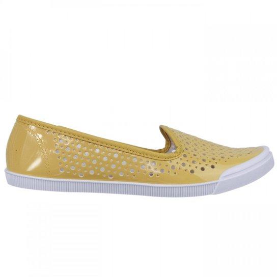 1518016b6 Sapatilha Feminina Moleca Verniz 5109.422 - Amarelo - Compre Agora ...