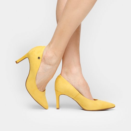 6a465087d Scarpin Vizzano Bico Fino Salto Médio - Amarelo