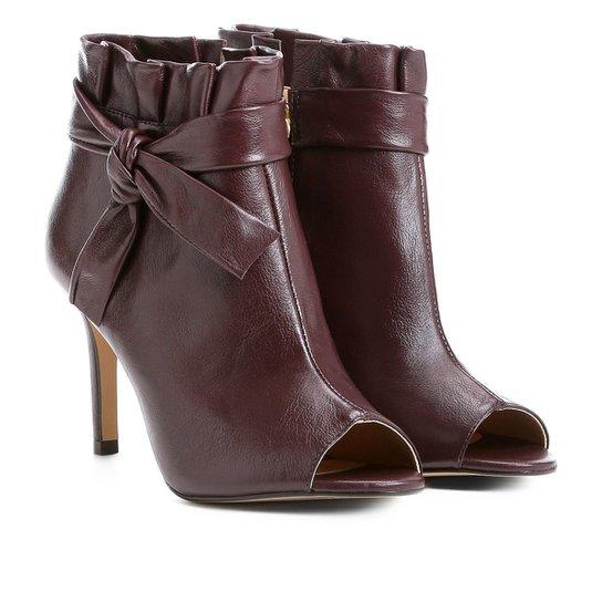 Bota Couro Cano Curto Shoestock Nó Feminina - Vinho - Compre Agora ... 71a6c0c509896