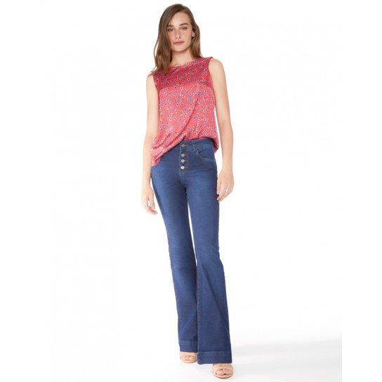 Calça Amaro Jeans Flare Essential - Azul Escuro - Compre Agora  fa9abcb2978