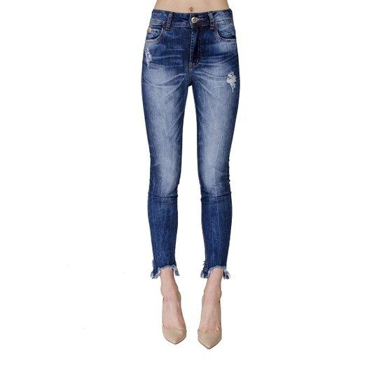 b6eb34b79 Calça Jeans Bia Barra Assimétrica Colcci Feminina - Azul Escuro ...