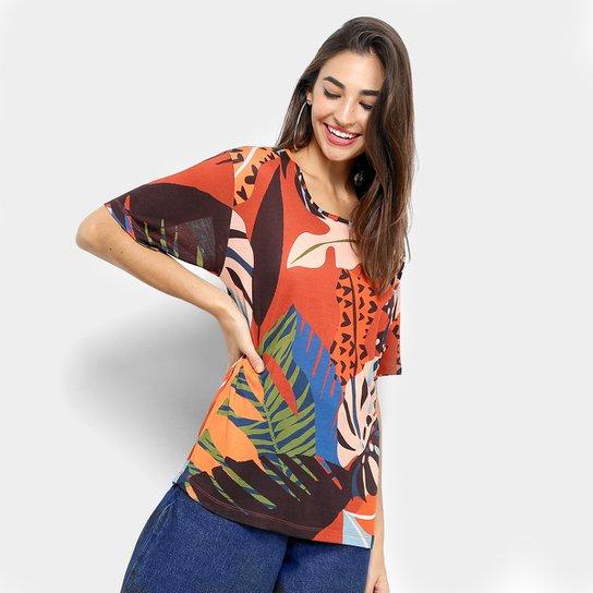 f70626799 Detalhes. Camiseta Cantão Estampa Folhagem Feminina - Pérola+Vermelho .